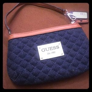 💕Small Guess Wristlet NWT